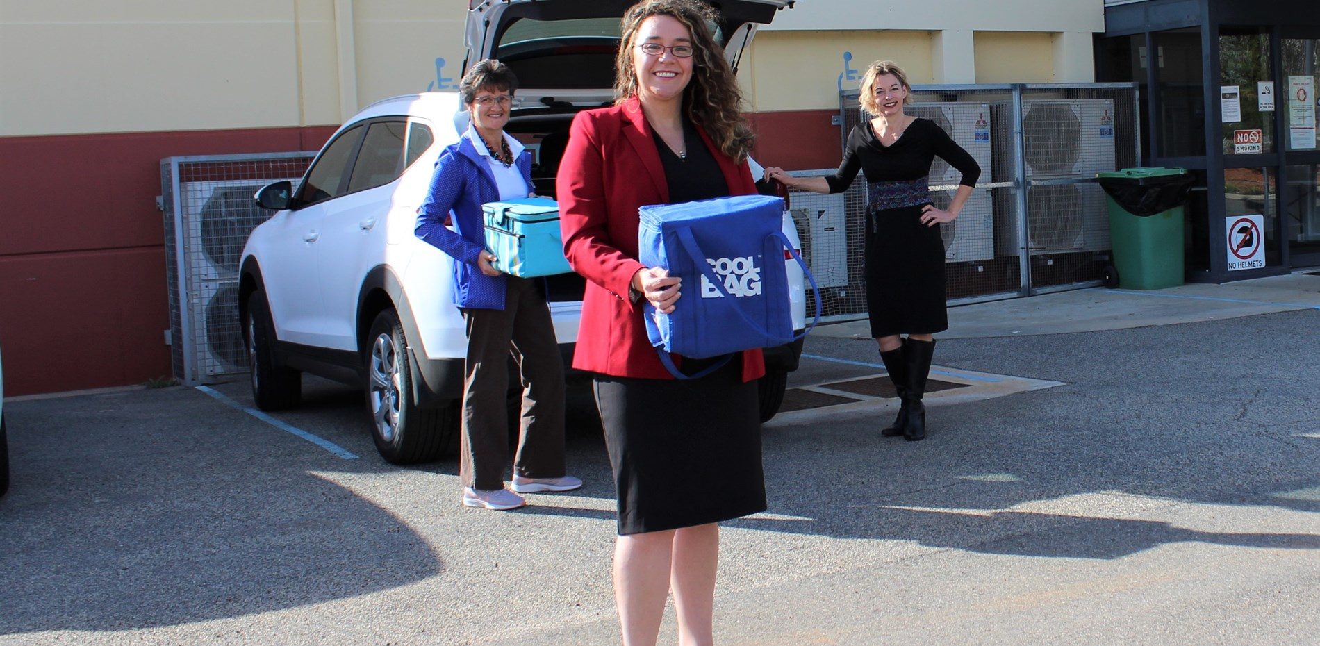 Vulnerable seniors take delivery of Doorstep Dinners in Corrective Services initiative Main Image